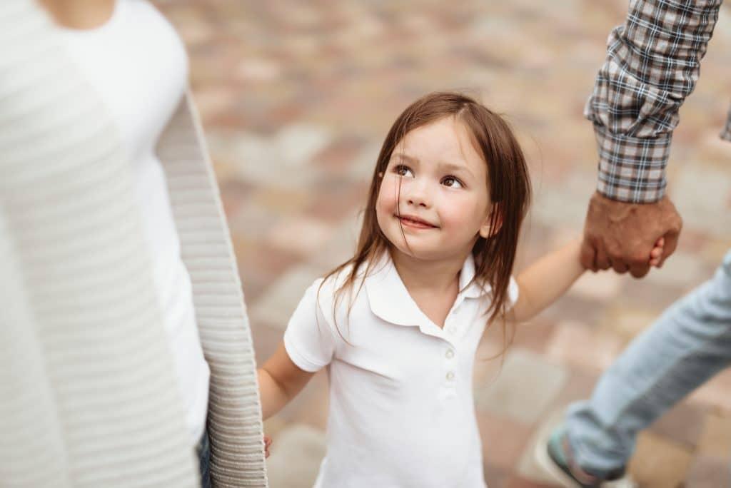 9.Хүүхдийн дуртай алдартнуудыг ажигла