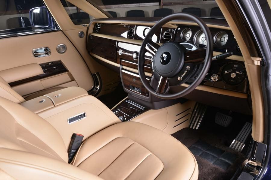 rolls_royce_sweptail_inside
